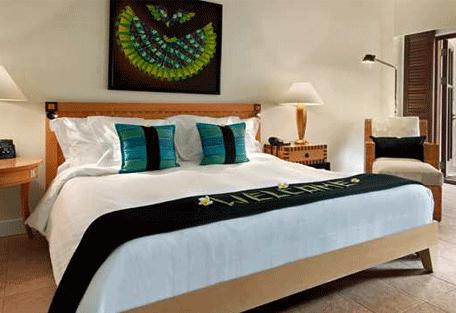 456b_hilton-villas-resort_bedroom.jpg