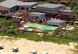 white-pearl-resorts-accommodation.jpg