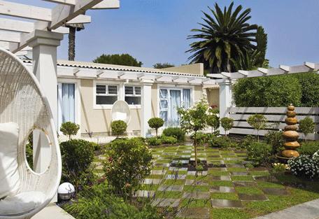 456f_namibia-luxury-self-drive_swakopmund-garden2.jpg