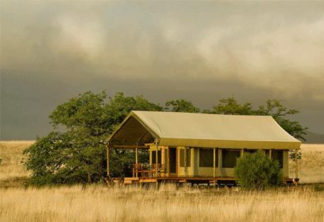 456j_namibia-luxury-self-drive_desert-rhino-camp-exterior.jpg