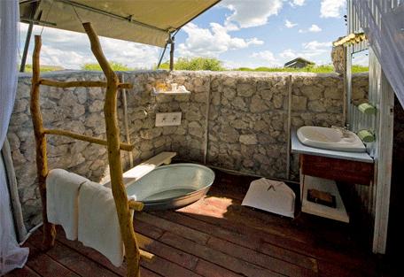 456n_namibia-luxury-self-drive_anderssons-camp_bathroom.jpg