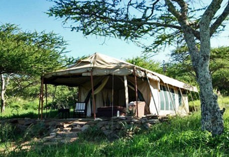05-tent-from-ouside.jpg